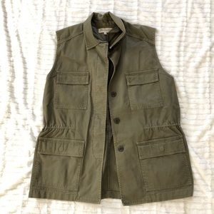Madewell army green button up vest